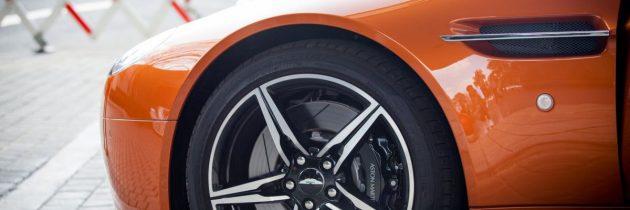 Tid til nye dæk og fælge til bilen
